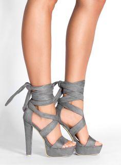 TWP8 Kult Fashion (ARRK) | Szare wiązane sandałki na słupku Sol w DeeZee.pl