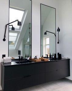 Bad Inspiration, Interior Design Inspiration, Bathroom Inspiration, Laundry In Bathroom, White Bathroom, Modern Bathroom, Scandinavian Bathroom, Scandinavian Home, Timber Vanity
