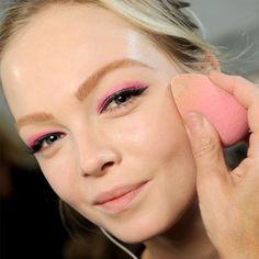 como-usar-o-beauty-blender-make-up