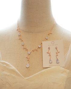 Rose Gold Leaf Necklace, wedding jewelry, earrings, teardrop cubic zirconia, brides, bridesmaid, natural inspired, www.glitzandlove.com