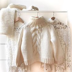 Knits & Lace  #wool #white #bigknits #heartworking #knitwear #ilovemrmittens  @theworkinggirl