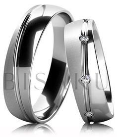 B54 Snubní prsteny z bílého zlata v kombinaci lesku a saténového matu s lesklou nepravidelnou drážkou uprostřed prstene. Dámský prsten zdobený kameny. #bisaku #wedding #rings #engagement #svatba #snubni #prsteny