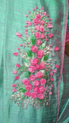 Saree Embroidery Design, Embroidery Suits Punjabi, Embroidery On Kurtis, Hand Embroidery Dress, Embroidery On Clothes, Embroidery Works, Silk Ribbon Embroidery, Hand Embroidery Designs, Embroidery Stitches