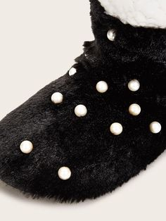 Faux Pearl Decor Fluffy Slippers #Sponsored , #sponsored, #Pearl#Faux#Decor Ladies Slippers, Womens Slippers, Black Pearls, Simple Style, Toe, Clothes, Decor, Fashion, Outfits
