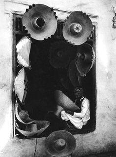 Lehnert  Landrock,Hat weaver in Tunis, 1920s.