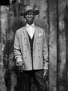 Mike Diver 'The eye of the beholder' vintage style editorial