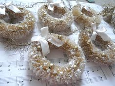 Bottlebrush Wreath Garland - oh boy does this give me an idea :D