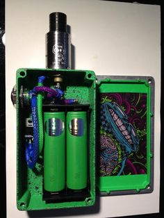 #Boxmods #green #ecigs #ecigarettes #coolmods #vapelife #vapelyfe #custommods #vapor #vaper #vape #mechmods #mechanicalmods #drippers