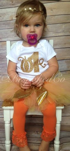 Fall first birthday outfit/Autumn 1st Birthday Outfit/Fall One outfit/Pumpkin patch birthday outfit/Pumpkin outfit - pinned by pin4etsy.com