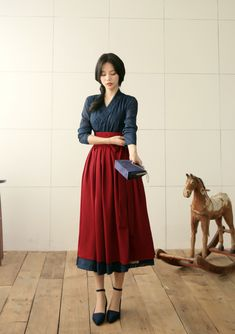 Traditional Korean dress – Hanbok – is characterized by vibrant colors, beautiful + detailed embroidery, and yes – that overly puffy dress your puppy could hide in. Cute Fashion, Asian Fashion, Girl Fashion, Fashion Dresses, Vintage Fashion, Fashion Design, Korean Traditional Dress, Traditional Fashion, Traditional Dresses