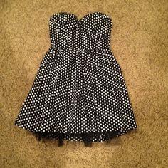 F21 Strapless Polka Dot Dress Adorable polka dot dress from Forever 21! Tulle underneath! Only worn once. Forever 21 Dresses