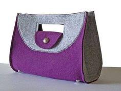 iki renkli keçe çanta