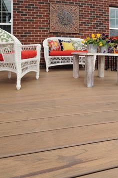 Capped composite boards are the new generation in deckboard evolution