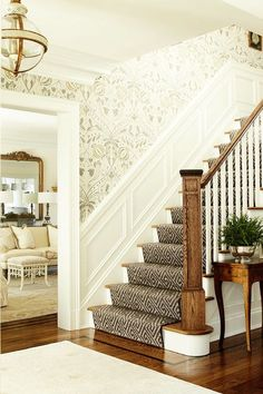 4 Talented Hacks: Wainscoting Dining Room Green wainscoting staircase entry ways.Wainscoting Ideas Around Windows wainscoting ceiling wood paneling.Picture Frame Wainscoting Home. Design Entrée, Flur Design, Design Case, House Design, Interior Design, Interior Decorating, Hallway Decorating, Decorating Tips, Interior Architecture