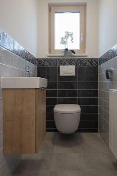 WC im Musterhaus Trend 146 W in der Blauen Lagune Trends, Corner Bathtub, Toilet, Bathroom, Blue Lagoon, Washroom, Flush Toilet, Bath Room, Toilets