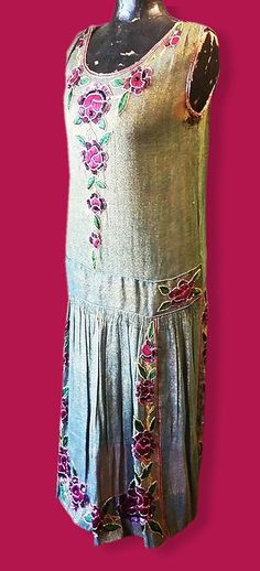 Downton Abbey C 1920s Beaded Embroidered Green Lame' French Flapper Dress. Sideway