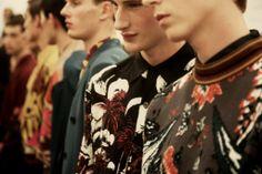 Milan Men's Fashion Week: Prada #florais_escuros #retro #hawaiian