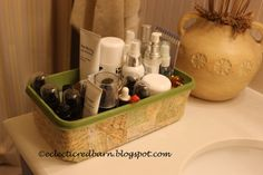 Hometalk :: Repurposed Swiffer Containers to Beauty Products Organizer