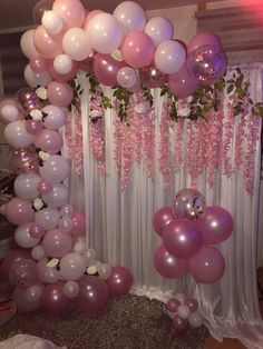 Organic garland with wisteria flowers Sweet 16 Party Decorations, Birthday Decorations At Home, Balloon Decorations Party, Pink Birthday, Birthday Balloons, 1st Birthday Parties, Themed Parties, Balloon Backdrop, Balloon Columns
