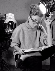 vintage everyday: Please Do Not Disturb! 49 Black and White Photos of Movie Stars Reading in the Past