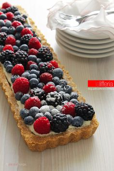 Fruit tart without baking Ricotta, My Favorite Food, Favorite Recipes, Danish Food, Happy Kitchen, Fruit Tart, Dessert Recipes, Desserts, Burritos