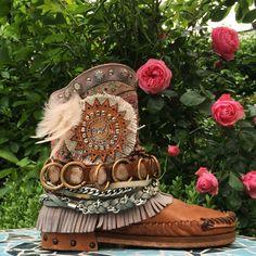Beautiful #karmaofcharme boots!! @karmaofficial