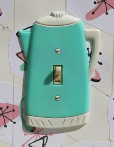Teapot light switch seen on Kitschy Living's Facebook page ❤