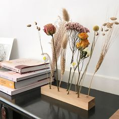 Dark Flowers, Dried Flowers, Room Inspiration, Interior Inspiration, Vase Deco, Drawing Wallpaper, Diy Projects For Beginners, Diy Décoration, New Room