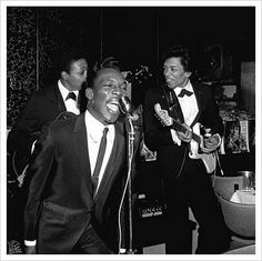 Jimi Hendrix plays with Wilson Pickett