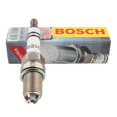 4pcs/lot BOSCH Standard car Spark Plug FGR7DQE+ for volkswagen PASSET 2.8i SKODA Superb 2.8 volvo S60 I 2.4 Audi A8 auto part