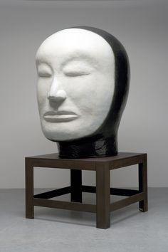 Jun Kaneko (b. Japanese ceramic artist living in Omaha, Nebraska. Museum Of Contemporary Art, Contemporary Ceramics, Ceramic Clay, Ceramic Artists, Surreal Art, Artist Art, Pottery Art, Sculpture Art, Statue