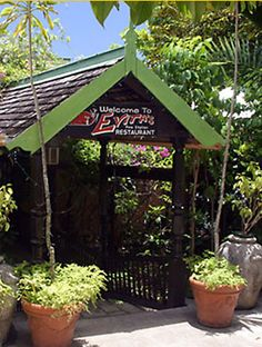 Evita's - Italian Dining in Ocho Rios, Jamaica.  Awesome atmosphere and fabulous italian food in Jamaica - unexpected.