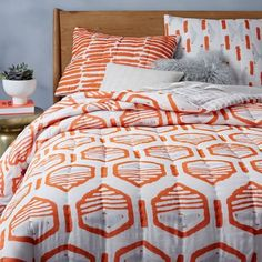 12 Modern + Colorful Quilts to Brighten Up Your Bedroom for Spring via Brit + Co