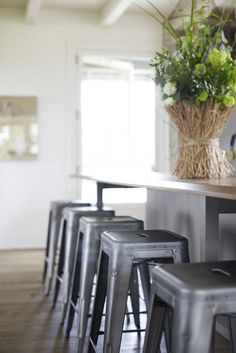 retro style is an amazing option for you living rooms dining rooms bedrooms kitchens or even outdoors you can combine it with modern style as well