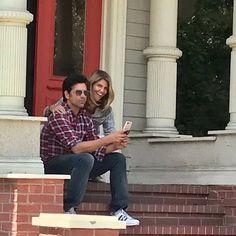 John Stamos & Lori Loughlin - Jesse & Becky on the front steps