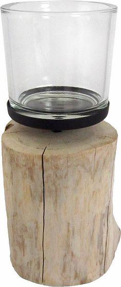 Das ansprechende Windlicht von Home affaire besticht durch seine unterschiedlichen Materialien, aus denen es gefertigt ist. Denn der Standfuß von diesem Kerzenhalter besteht aus Holz und sieht aus wie ein Baumstumpf in Miniaturformat.