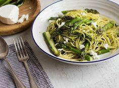 Spaghetti mit Spargel und Bärlauchppesto