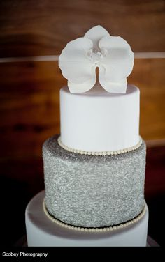 ellyB Wedding: Fatimah & Jean at Ventanas - glam cake