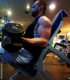 gay gym webcam pumping iron workouts