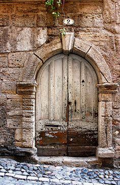 #2. Pézenas, Languedoc-Roussillon, France ..rh
