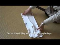 The Art of Folding Clothes: The KonMari Method T-shirts Japonais, Konmari Method Folding, Homekeeping, Tidy Up, Keep It Cleaner, Getting Organized, Homemaking, Clean House, Storage Organization
