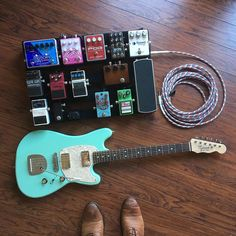 Nystrum Coachman Guitar