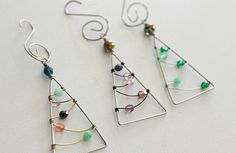 wire tree ornaments. i could totally make these. anyone wanna send me wire and beads?