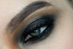 Black&Caramel smokey eye with using LH Cosmetics Infinity Palette by Linda Hallberg