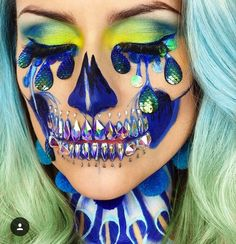 UK-based Vanessa Davis is an incredible makeup and mixed-face artist who has most recently debuted a stunning 'Holographic Star Skull' look. She was inspired to create the look after attending a last-minute Halloween party at a. Sugar Skull Makeup, Clown Makeup, Scary Makeup, Costume Makeup, Makeup Art, Halloween Face Makeup, Sfx Makeup, Sugar Skulls, Makeup Ideas