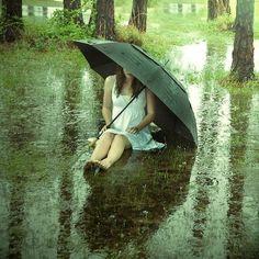 alone-girl-sad-rain-cry.jpg (500×500)