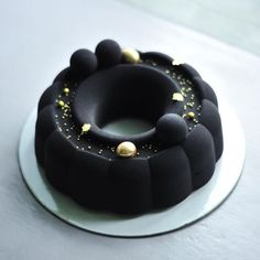 this beautiful caviar-esque cake creation by Beautiful Desserts, Beautiful Cakes, Amazing Cakes, Cupcakes, Cupcake Cakes, Mousse Cake, Pretty Cakes, Creative Cakes, Mini Cakes