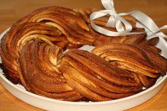 U nás na kopečku: Staročeský trdelník ... Dessert Recipes, Desserts, Sweet Tooth, Almond, Bacon, Bakery, Cooking Recipes, Breakfast, Food