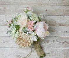 mariage bohème chic et modèle de bouquet de mariage boho