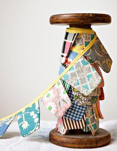 Love this quilt bunting, Let's get the sewing machine from the garage!